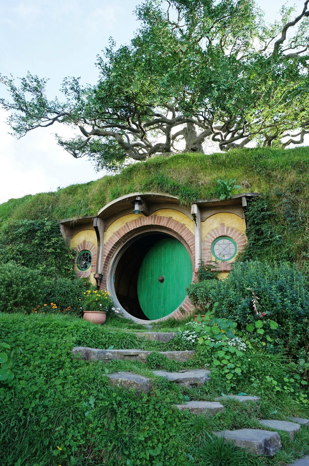 霍比特人绿色圆门小屋