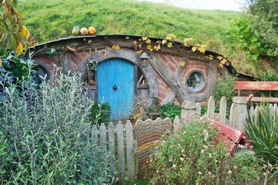 霍比特人小屋外景