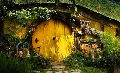 霍比特人小屋门口